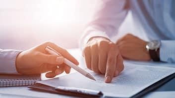 Contrato não pode ser alterado por mera insatisfação de uma das partes.