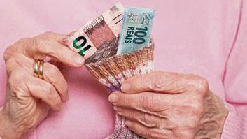 """Avó não pagará pensão para netos maiores de 24 anos: """"incentiva ócio""""."""